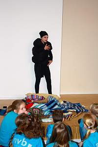 "Performance ""Puppenfrau"" am EGN Nordhorn"