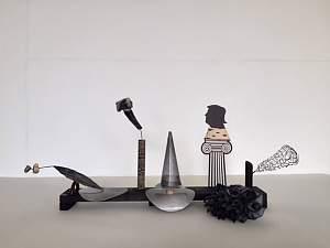 Kunstwerk von Gunter Gruben mit dem Titel SIX SYMBOLS OF GUIDANCE AND DIRECTION OTHER THAN THE CROSS, Foto Privat